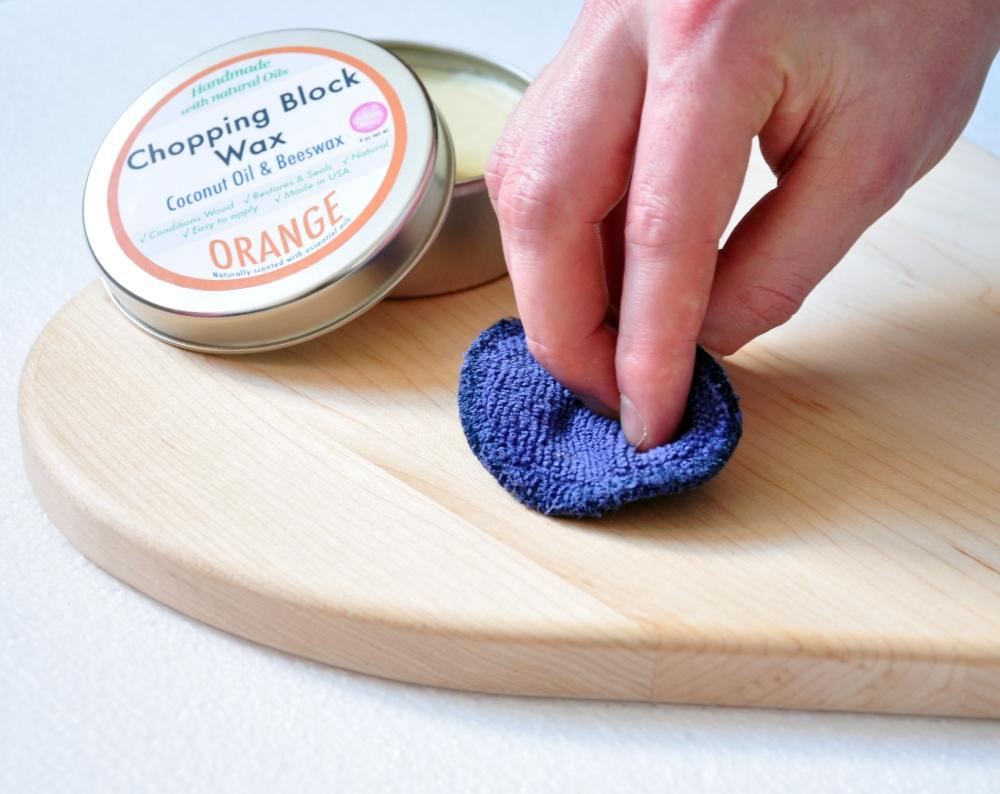 Tin-orange-chopping-board-wax-3